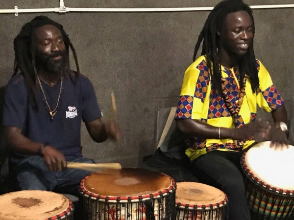 An Evening in Africa - Papis & Dia perform West African songs