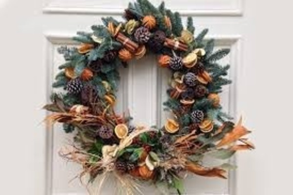 Christmas wreath making at The Crrown