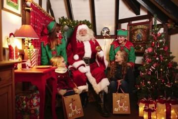 SANTA & his elfs are coming to the Britannia